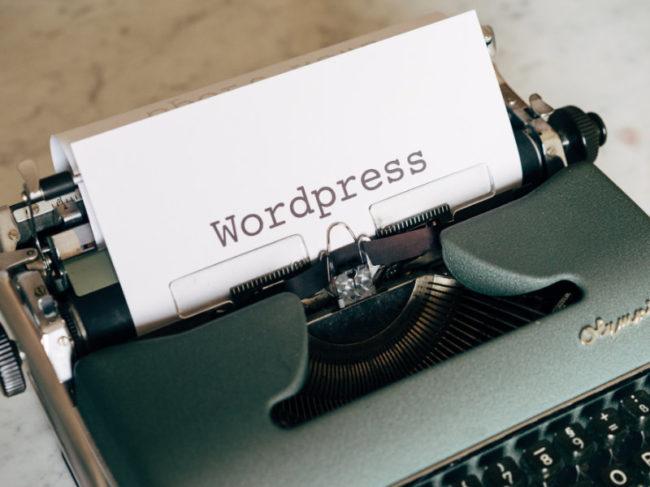Machine à écrire avec un devis WordPress